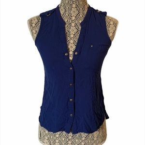Charlotte Russe Sleeveless Button Up Blue Small